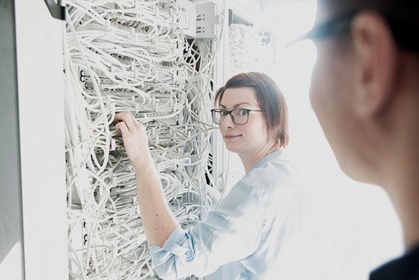 GULP-Service-Desk---Bestandteile-der-Netzwerkkomponenten-und-der-IT-Infrastruktur-in-Unternehmen